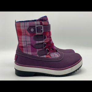 UGG Australia Waterproof Boot Size 7W F27012G